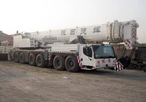 利勃海尔350吨汽车吊